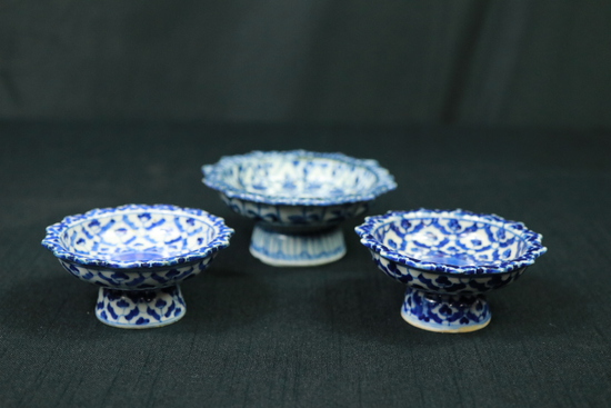 3 Porcelain Graduated Bowls