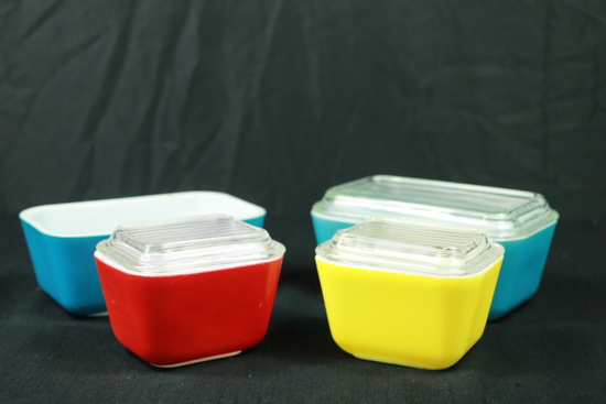 4 Pyrex Refrigerator Boxes