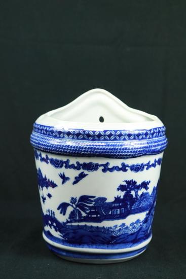 Porcelain Wall Pocket