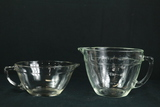 2 Glass Measuring Cups