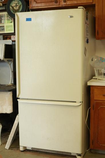 Amana Refrigerator & Freezer
