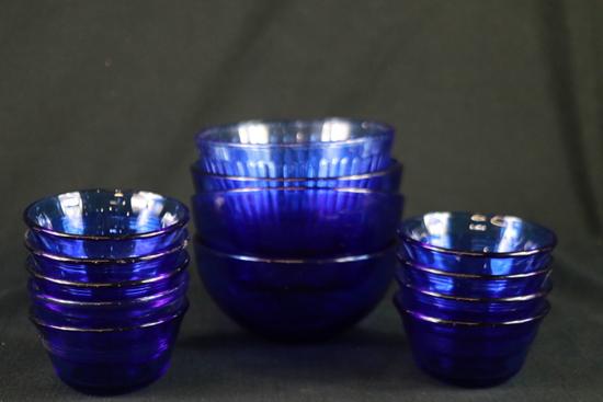 9 Pyrex Dessert Dishes & 4 Cobalt Blue Bowls