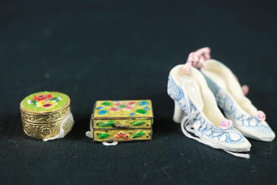 2 Small Porcelain Trinket Boxes & Pair Of Porcelain High Heels