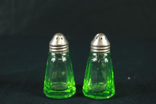 Green Depression Salt & Pepper Shakers