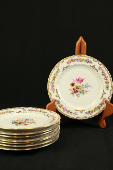 8 Royal Bayreuth Plates Made In Bavaria