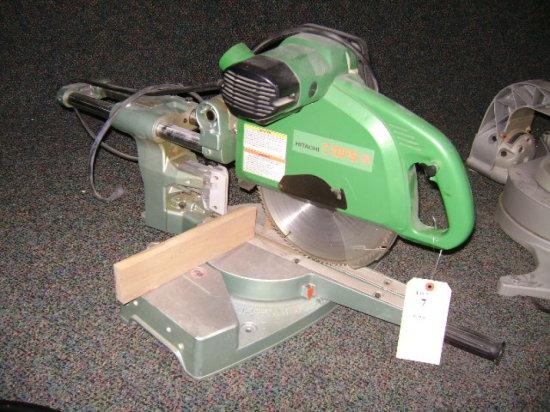 Hitachi slide C10FS – miter saw