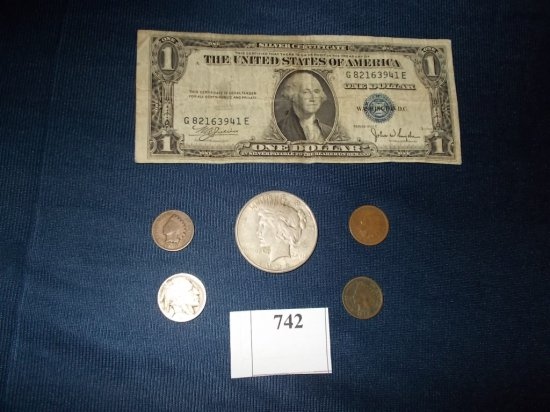 1922 S PEACE DOLLAR, 1935-C SILVER CERTIFICATE, BUFFALO NICKEL W/ WORN DATE
