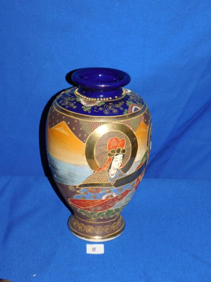VASE ORIENTAL MOTIF HAND PAINTED MAN & LADY ON FRONT WITH A MAN ON BACK. ME