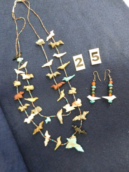 ANIMAL-MOTIF NECKLACE WITH BIRDS, TURTLES, BEARS ETC. AND MATCHING EARRING
