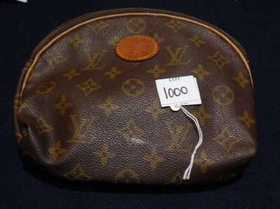 "BAG: LOUIS VUITTON BAG WITH ZIPPER 9"" X 7 1/2"""