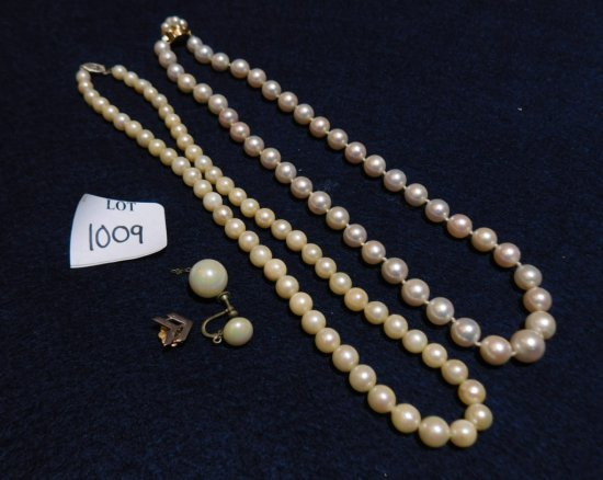 NECKLACES: TWO STRANDS OF PEARLS GOLD CLASP