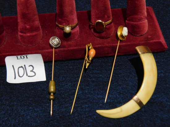 GROUP: GOLD PINS 1 WITH DIAMOND; 1 CAMEO; 2 RINGS 1 14K WITH WHITE STONE OT