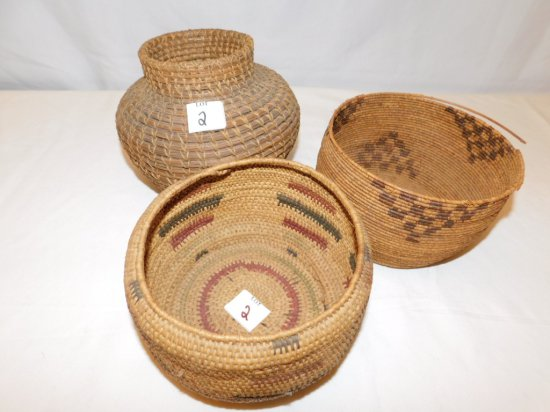 """3 WOVEN BASKETS: 1 IS DETACHED  AT THE TOP MEASURES 7"""" ACROSS X 4 1/4"""" TALL"""