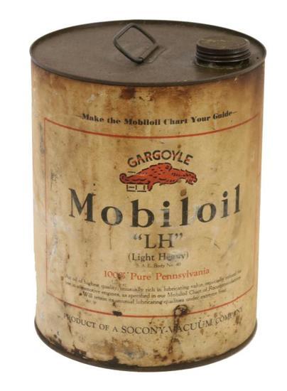 """Mobiloil Gargoyle """"LH"""" Two Gallon Oil Can"""
