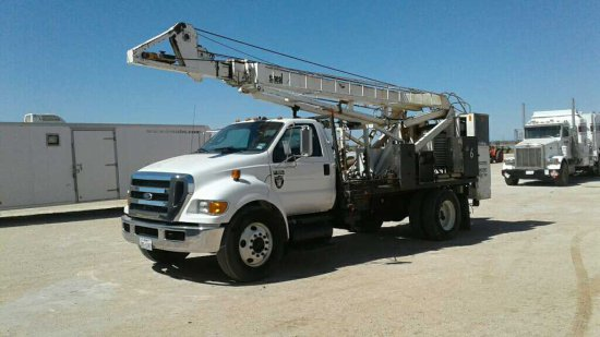 2013 Ford F-650 Pulling Unit/Pump Hoist Truck