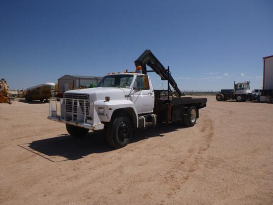 1981 Ford F-800 Knuckle Boom Truck