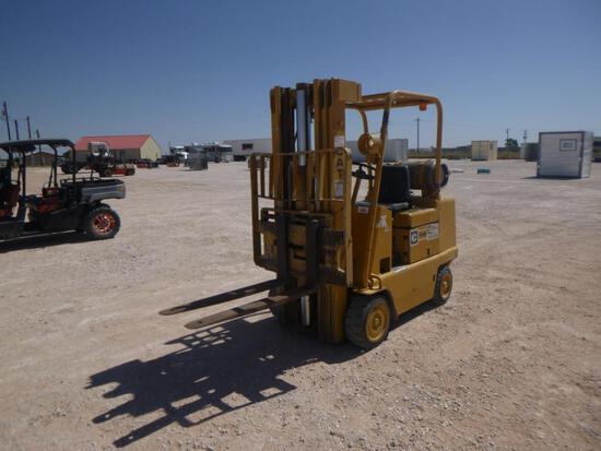 CAT T40B Forklift
