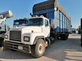 1992 Mack Module Truck