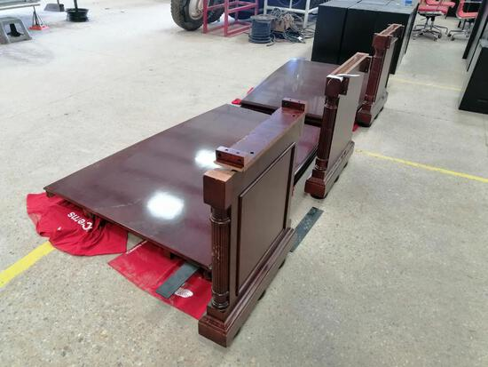 DMI Mfg Conference Table ( Damaged)