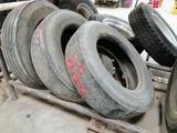 ( 3) 24.5 Truck Tires
