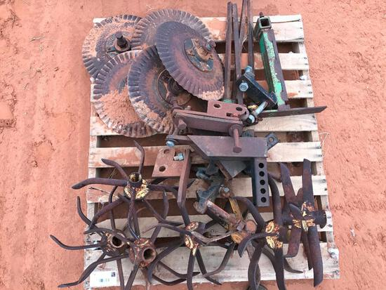 Pallet with Coulter Wheels