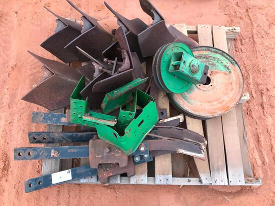 pallet with Lister Shanks