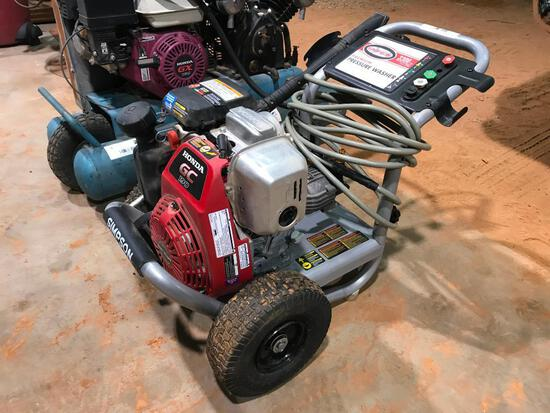Simpson Pressure Washer with Honda Gas Motor