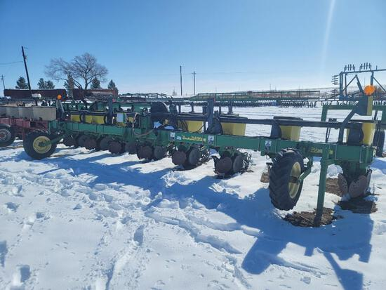 "8 Row John Deere 1700 Planter, MaxEmerge XP, 40"" Row Spacing, 3 Pt Hitch"