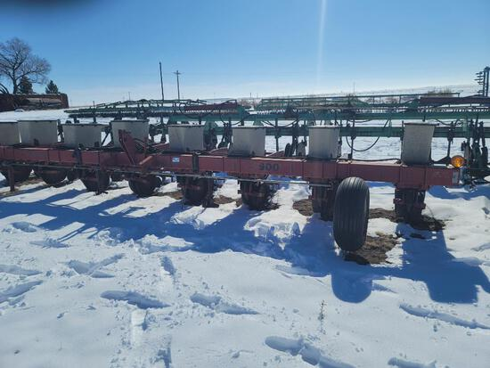 "8 Row Case International 900 Planter, 40"" Row Spacing, 3 Pt Hitch"