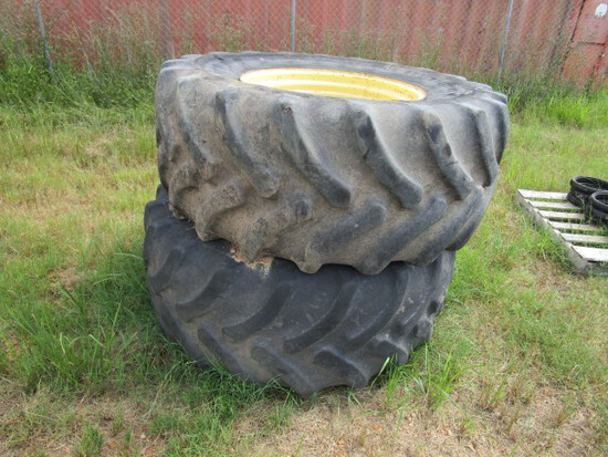 "(2) 28"" Tires"