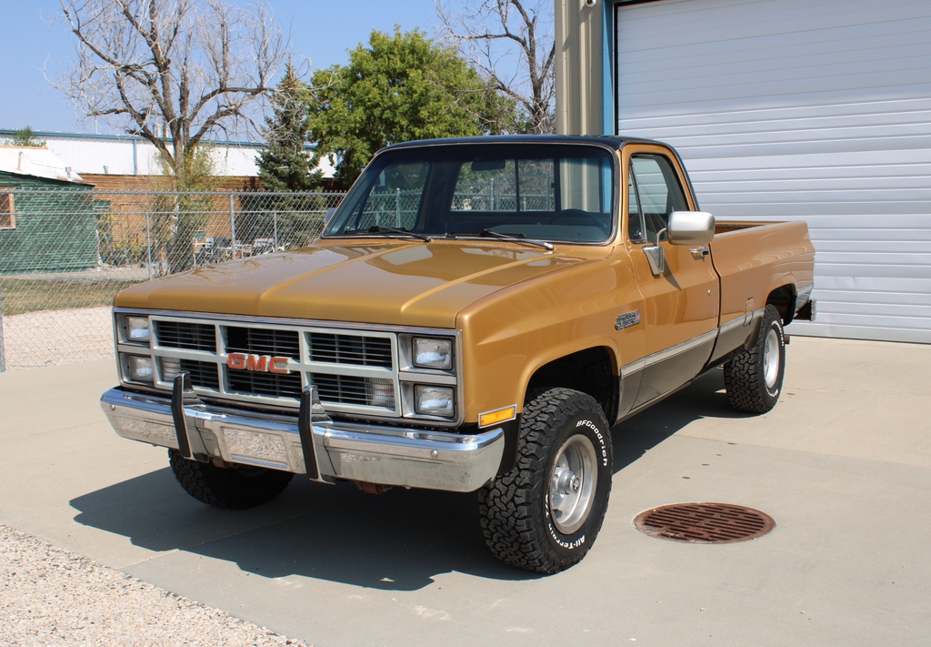 1984 Gmc Sierra Classic 4x4 Pickup Truck Collector Cars Collector Trucks Vans Online Auctions Proxibid