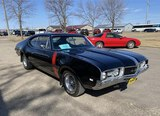 1968 Olds 4-4-2 Holiday Coupe