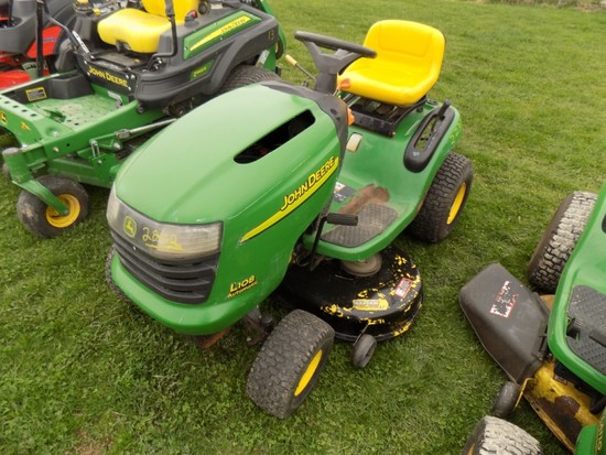 JDL108 Lawn Tractor 42'' Deck