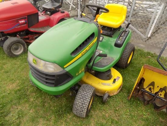 JD LA115 Lawn Tractor w/ 42'' Deck & JD Snowblower Attach