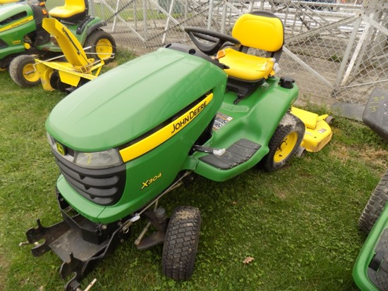 JD X304 AWS Lawn Tractor w/ 54'' Deck - Low Hrs
