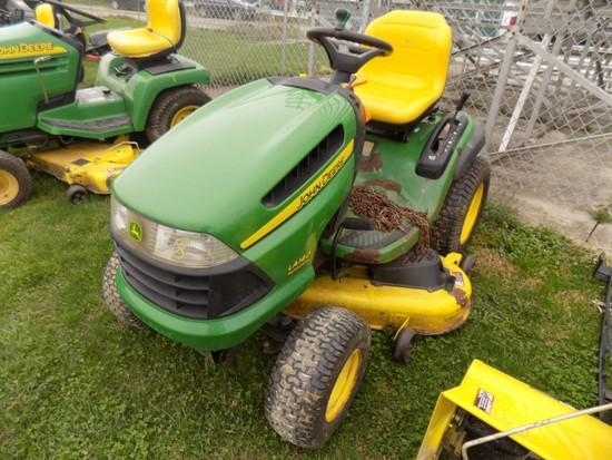 JD LA 140 Garden Tractor w/ 48'' Deck & Snowblower Attach, Chains