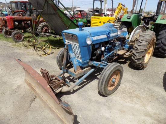 Ford 2000 with Plow Gas, 1829 Hours