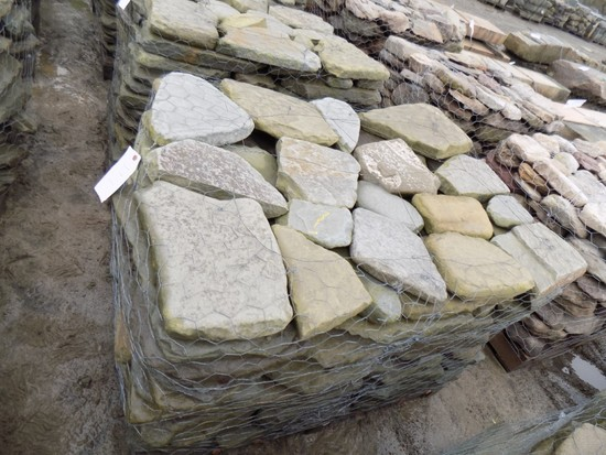 Pallet of Tumbled Garden Path/Colonial Wallstone, Sold by Pallet