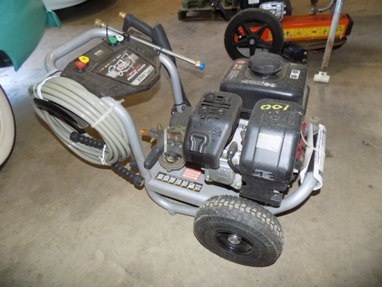 New Simpson 3300 Psi Gas Pressure Washer