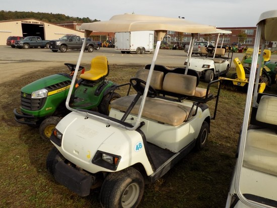 Yamaha Gas Golf Cart w/Rear Seat (48)