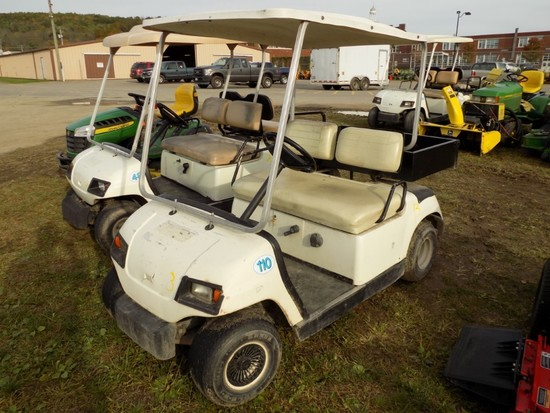 Yamaha Gas Golf Cart w/Rear Workbox (U10)