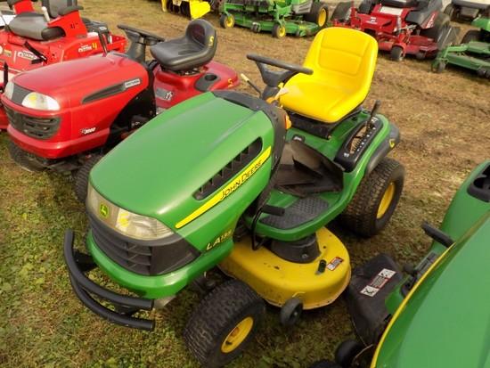 JD LA135 Lawn Tractor w/42'' Deck, Hydro, 274 Hours