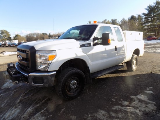 2014 Ford F250, 4WD, Ext Cab, White, V8Eng, Auto Trans., 6.5' Box, Alum. Si