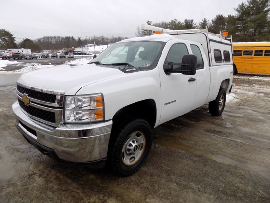 2013 Chevrolet 2500HD, White, Ext. Cab, 4WD, 6.5' Box w/ Walk-in Tool Cap,
