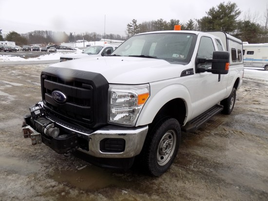 2014 Ford F250, 4WD, Ext. Cab, White, 6.5' Box, V8 Gas Eng., Auto Trans., w