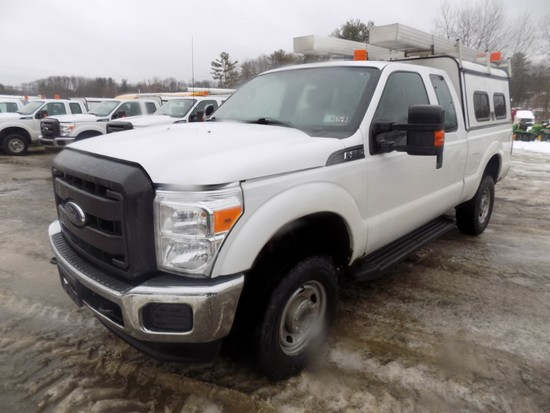 2014 Ford F250, 4WD, Ext. Cab Pickup, White, 6.5' Box, V8 Gas Eng., Auto Tr