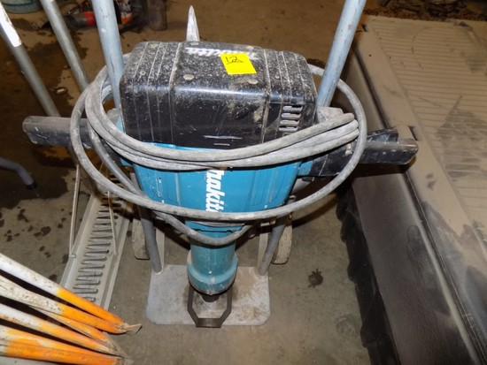 Makita Electric Jack Hammer w. Bits on Cart