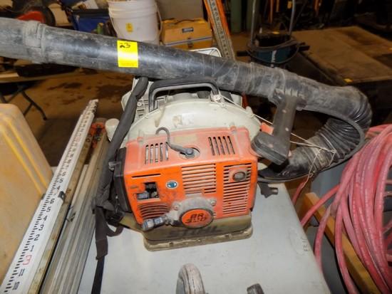 Stihl BR320 Backpack Blower Gas Engine