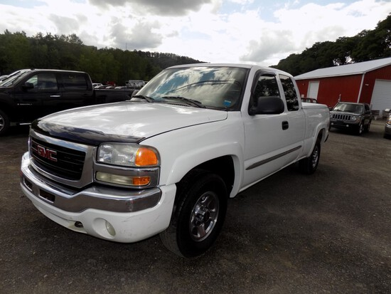 2004 GMC Sierra 4wd Ext. Cab Pickup, White, 4.8 V8 Eng., PW, PL, Ext. Cab,