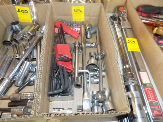 Box of Snap On 1/2'' Angle Standard Sockets, Extensions & Ratchets w/Screwd